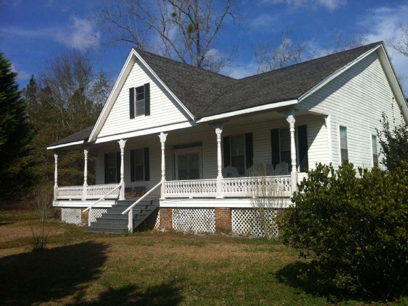 Turn Of The Century Home & 5 Acres : Uriah : Monroe County : Alabama