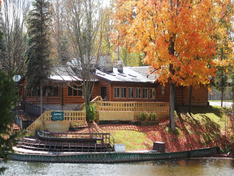 Lost Arrow Resort On The River : Gladwin : Gladwin County : Michigan