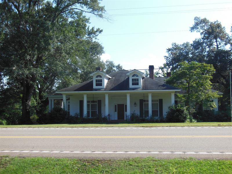 66-034 Twelve Oaks Home & Acreage : Oak Hill : Wilcox County : Alabama