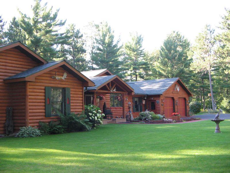 Log Northwoods Estate : Arbor Vitae : Vilas County : Wisconsin