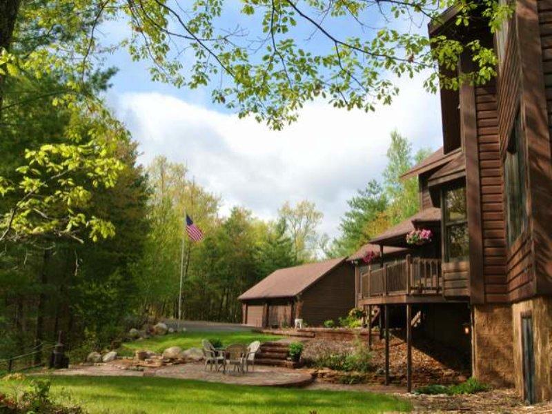 Little Arbor Vitae Lake Estate : Arbor Vitae : Vilas County : Wisconsin