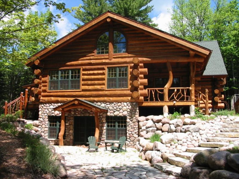 Horsehead Lake Log Home : Presque Isle : Vilas County : Wisconsin