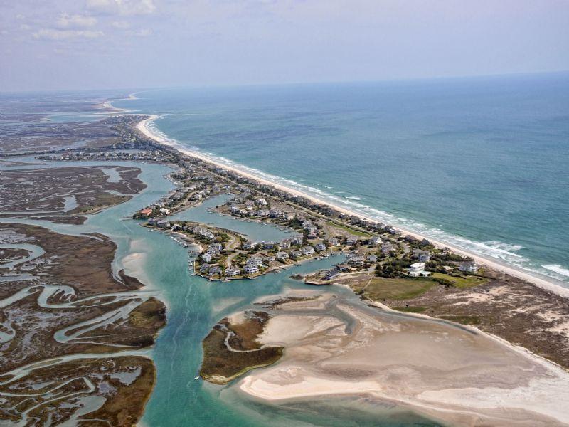 Amazing Waterfront Retreat : Holden Beach Area : Brunswick County : North Carolina