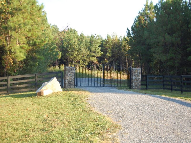 Gorgeous Gated Community : Signal Mountain : Sequatchie County : Tennessee