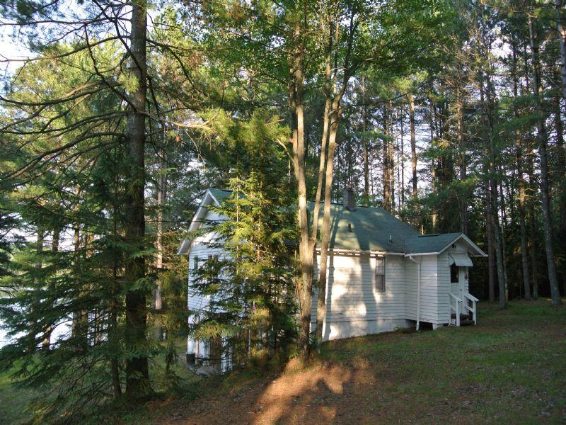 Cottage On Burnham Lake : Lake Tomahawk : Oneida County : Wisconsin