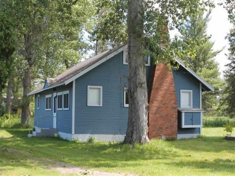 V Lane  Mls#1075126 : Rapid River : Delta County : Michigan