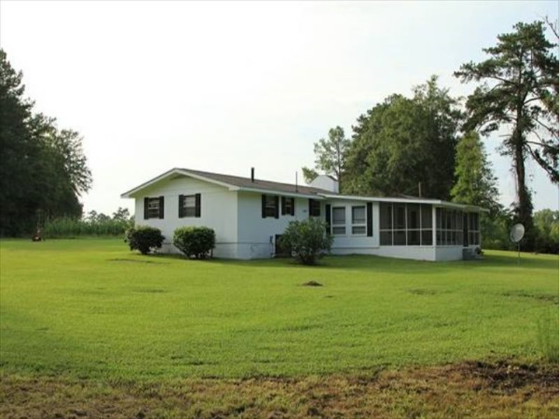 1300 Sf Home, Creek, Pond, Pasture : Jeffersonville : Twiggs County : Georgia
