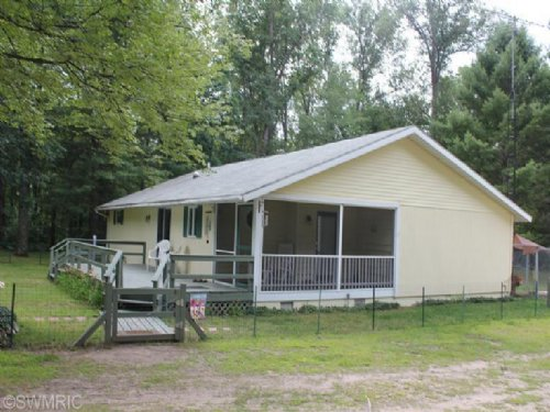 Two Cabins On 20 Acres : Idlewild : Lake County : Michigan