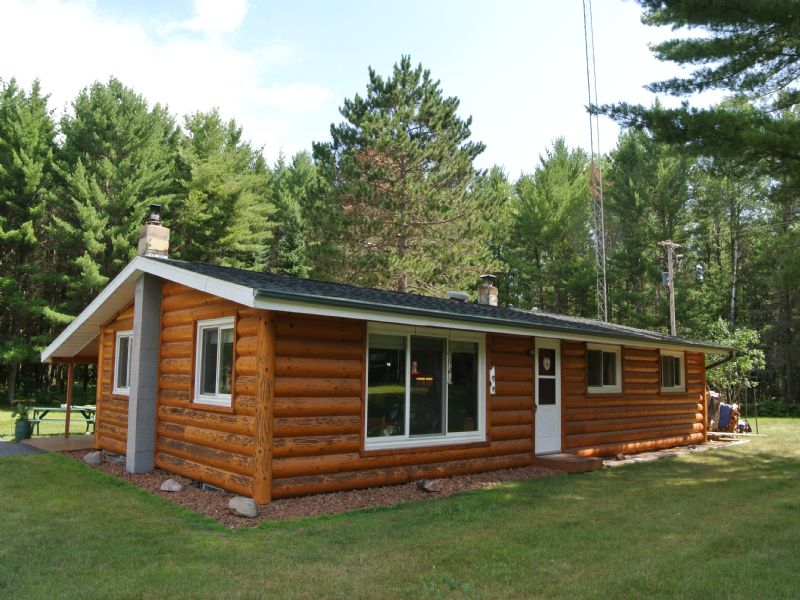 Tomahawk River Ranch Home : Minocqua : Oneida County : Wisconsin