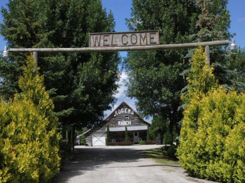 Sprawling Guest Ranch : Rogers City : Presque Isle County : Michigan