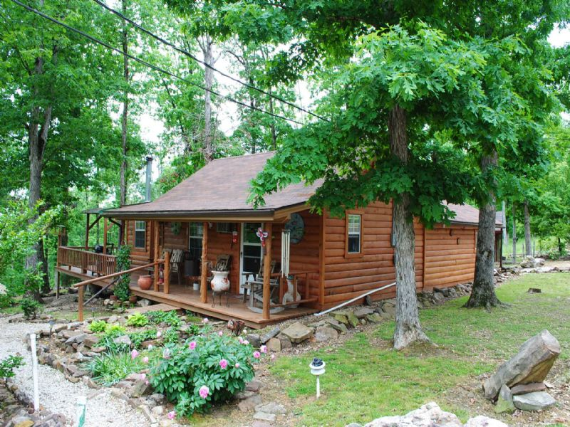 Cabin, Guest House, Outbuildings : Mountain View : Stone County : Arkansas