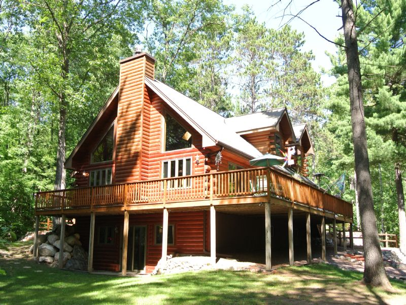 Full Log Home On Squirrel Lake Rd : Minocqua : Oneida County : Wisconsin