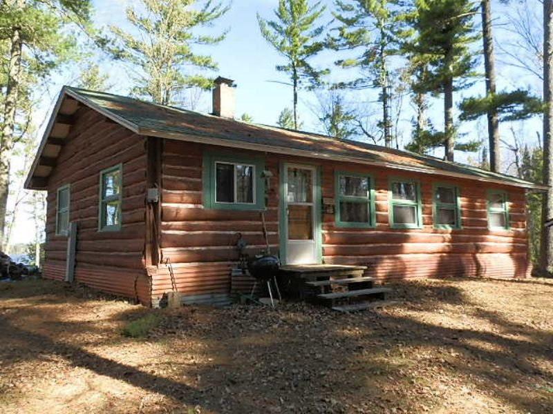 Log Home On Round Lake : Fifield : Price County : Wisconsin