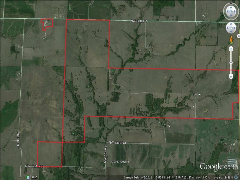 Two Homes And 877 Acres : Shawnee Mound : Henry County : Missouri