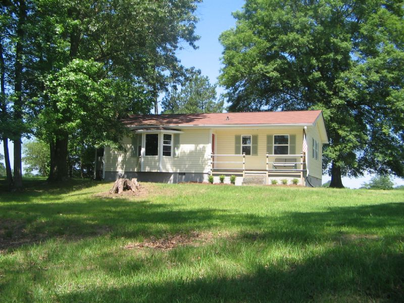 Recently Renovated Ranch On 10 Acre : Madison : Walton County : Georgia