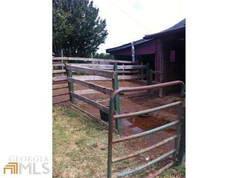 20 Acres W/ Home And 16 Stall Barn : Loganville : Walton County : Georgia