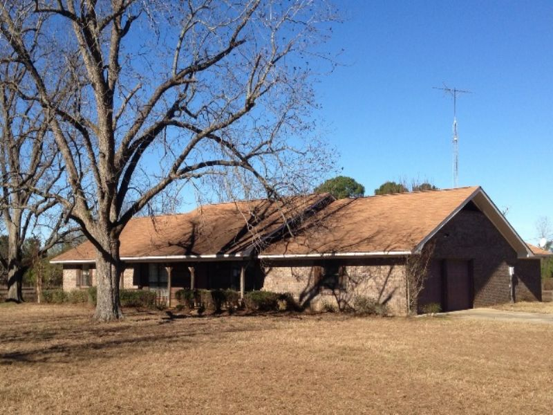 3 Br/2.5 Ba Home On 15.6 Ac : Brundidge : Pike County : Alabama