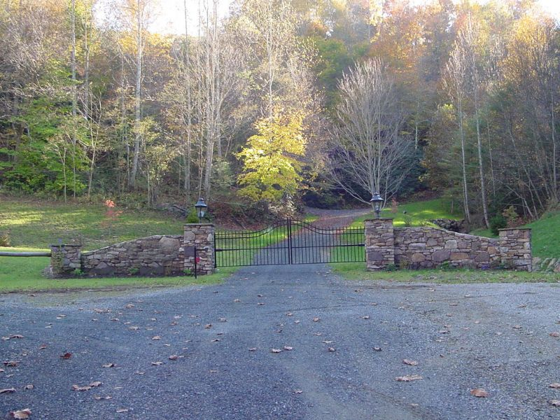31.54 Acres - Twin Falls : Copper Hill : Floyd County : Virginia