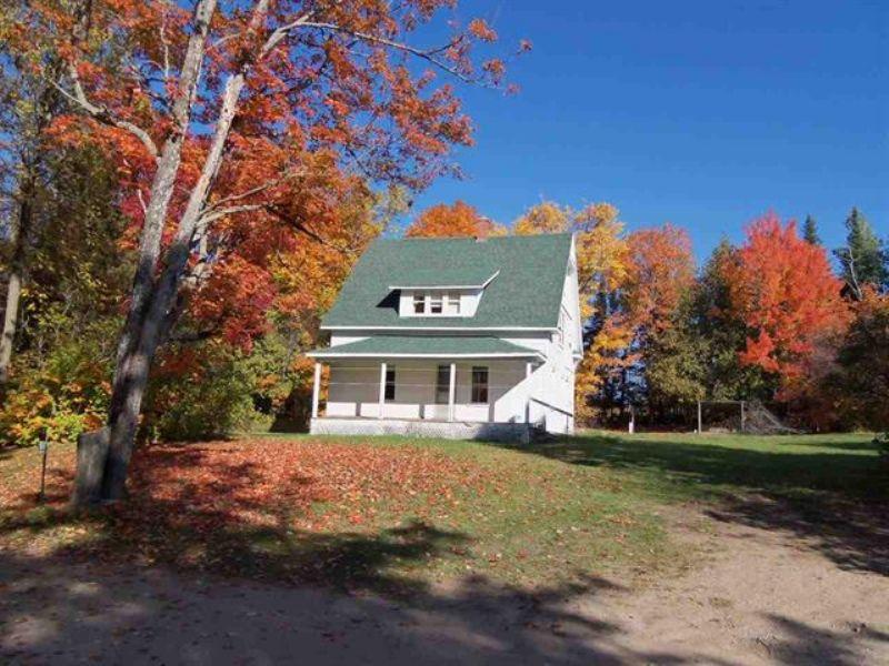 16889 S M129  Mls#1077427 : Sault Ste Marie : Chippewa County : Michigan