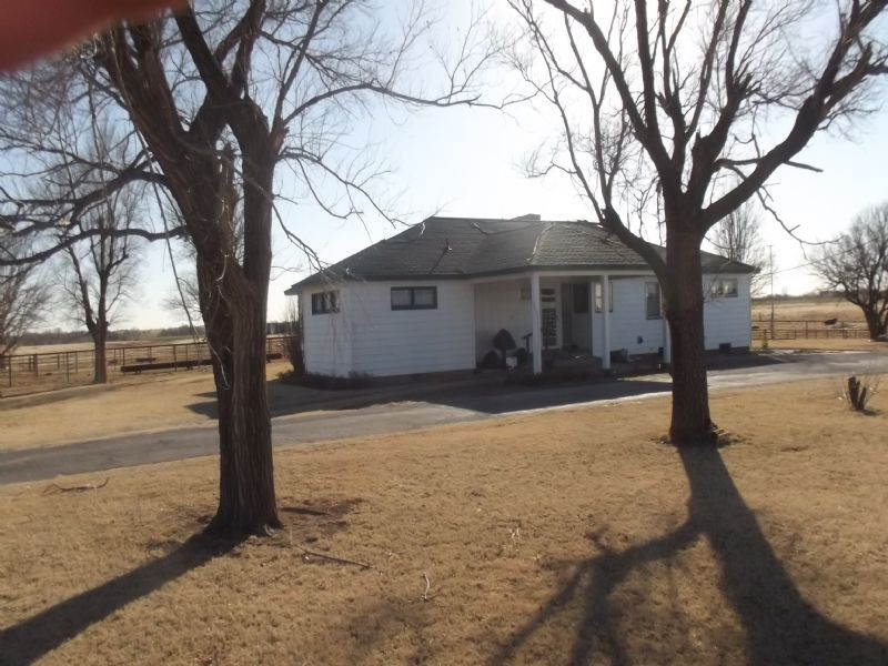 2,420 Sqft  Country Home - 15 Acres : Drummond : Garfield County : Oklahoma