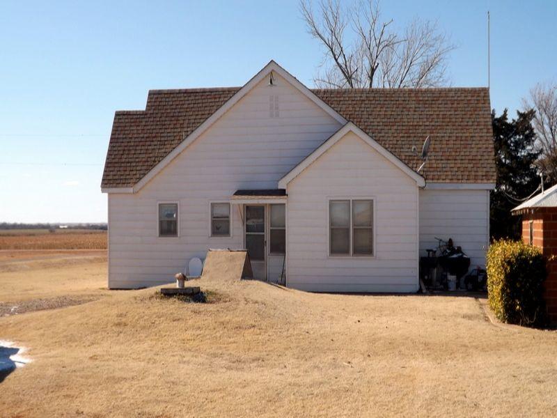 160± Acres ~ Shop Buildings ~ Home : Fairmont : Garfield County : Oklahoma