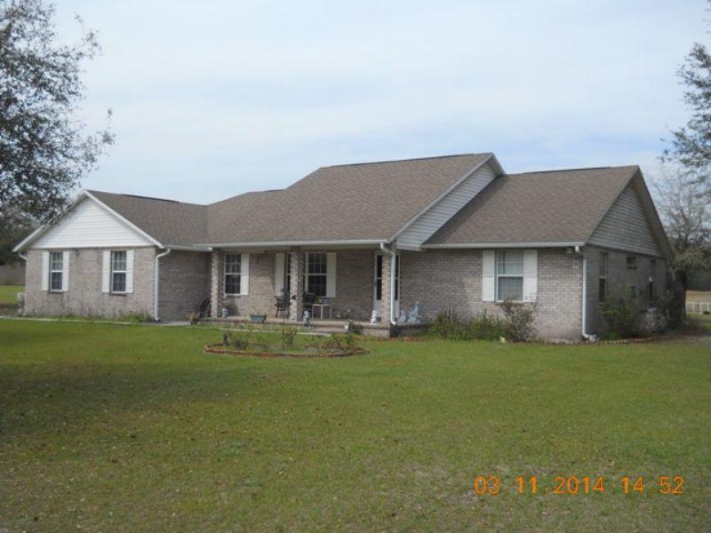 Spacious Ranch Style Home : Wellborn : Suwannee County : Florida