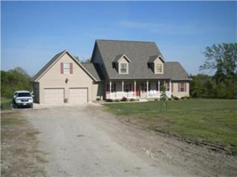 5 Bedroom Home : Kidder : Caldwell County : Missouri
