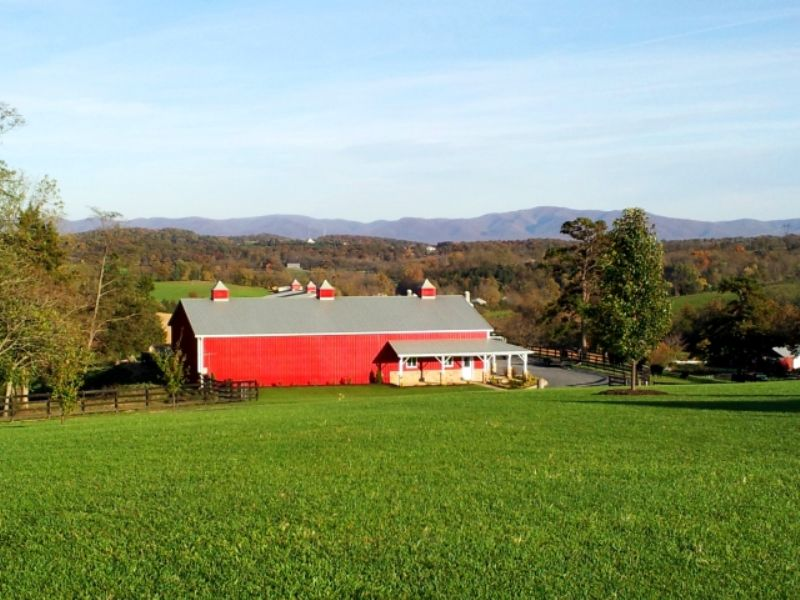 Lovely Farm With Mountain Views : Staunton : Augusta County : Virginia