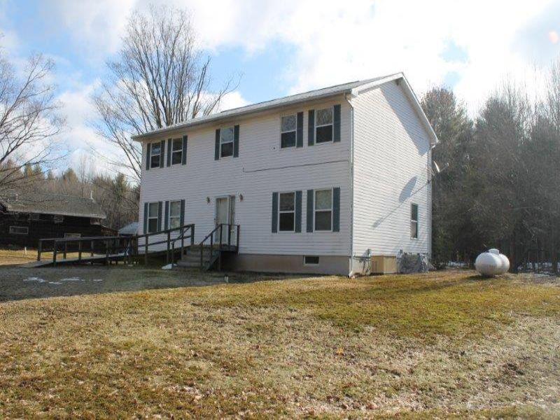 Country Home On 104 Acres : Constantia : Oswego County : New York