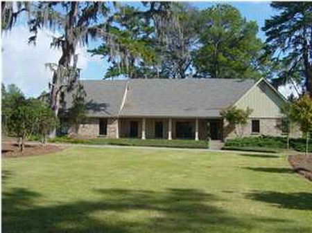12.7 Acres With Home & 2 Stall Barn : Pike Road : Montgomery County : Alabama