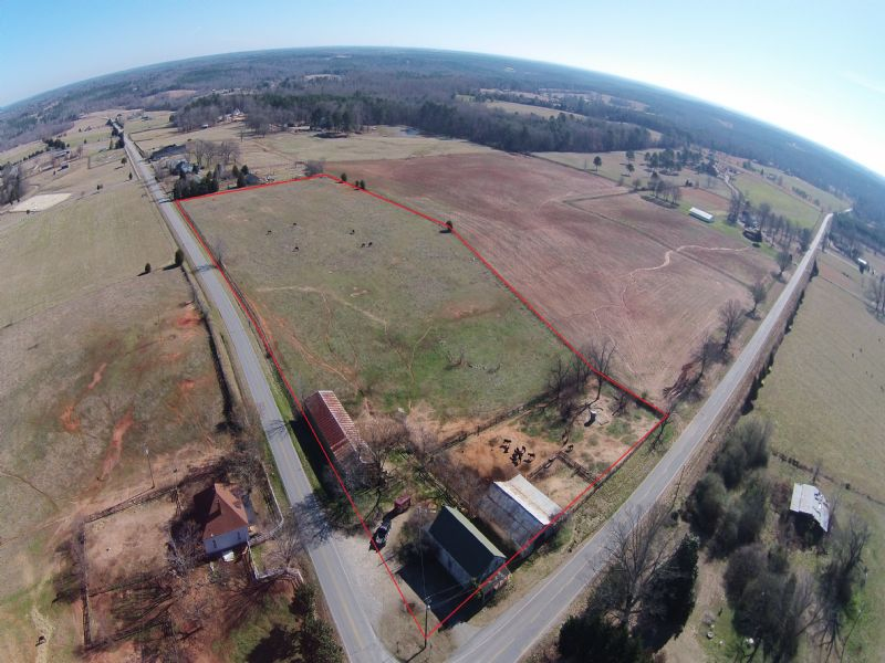 Great Mini Farm With Improvements : Madison : Morgan County : Georgia