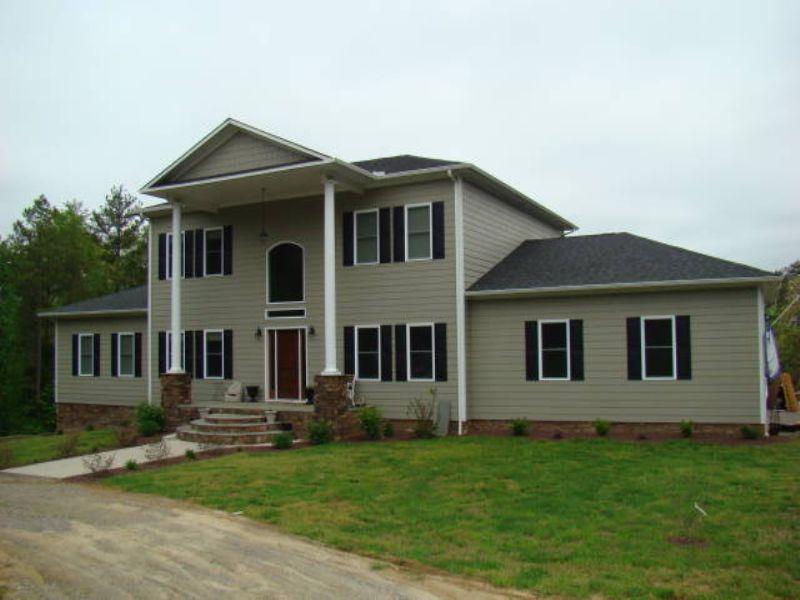 Lee Mountain Estate : Green Bay : Prince Edward County : Virginia