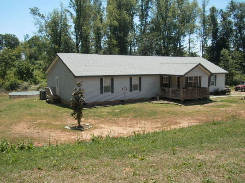 Spacious Ranch On 11.83 Acres : Stephens : Oglethorpe County : Georgia
