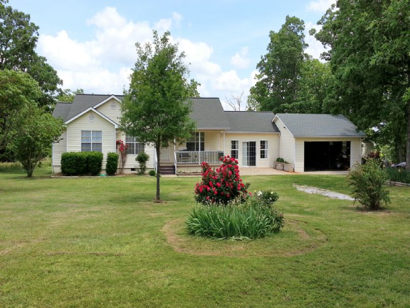 Nice 3 Br/2 Ba Home In Country : Mountain View : Stone County : Arkansas