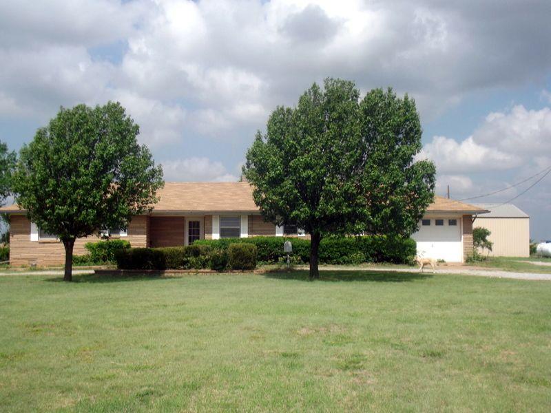 160 Acres- Brick Home- Shop- Pond : Kingfisher : Kingfisher County : Oklahoma
