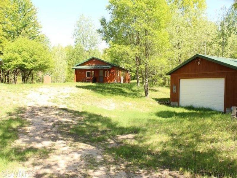 240 Acres With Amazing Terrain : Barryton : Mecosta County : Michigan