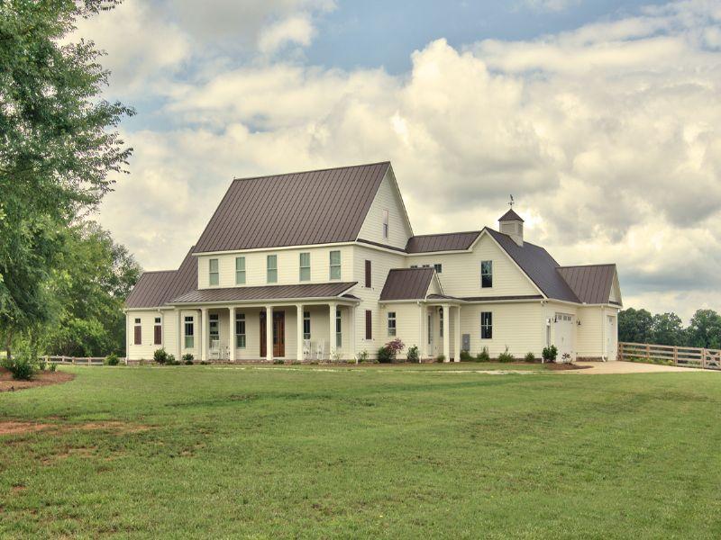 Classic American Farmhouse On 23ac : Madison : Morgan County : Georgia