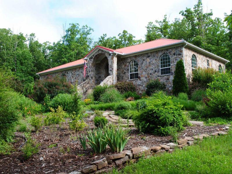 Mountain View Home And Acreage : Mountain View : Stone County : Arkansas