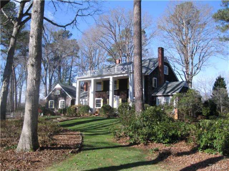 Historic Farmhouse With Acreage : Pittsboro : Chatham County : North Carolina
