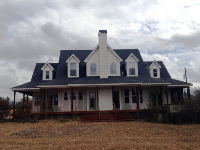 2 Story Home On 10 +/- Acres : Highland Home : Crenshaw County : Alabama