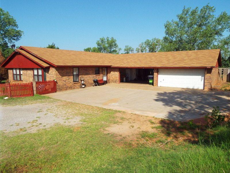 Nice Brick Home & 10 Acres * Tuttle : Tuttle : Grady County : Oklahoma