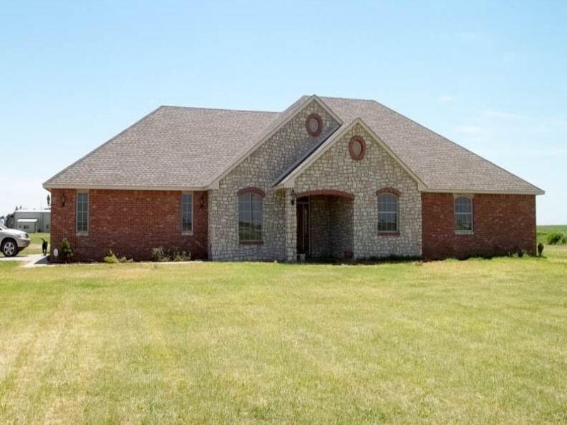 Brick Home- 82 Acres- Pond- Runway : Carrier : Garfield County : Oklahoma