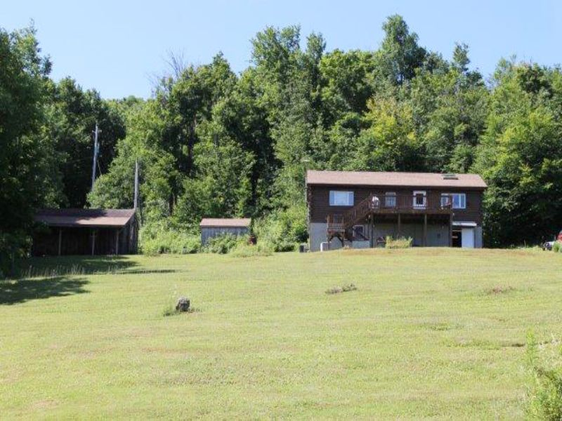 Log Home In The Catskill Mountains : Jefferson : Schoharie County : New York