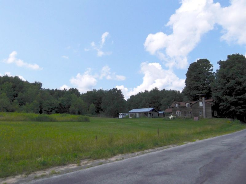 Farmhouse On 68 Acres: 3 Bay Garage : Parish : Oswego County : New York