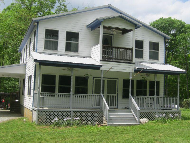 Farmhouse On 10.9 Acres : Pittsboro : Chatham County : North Carolina