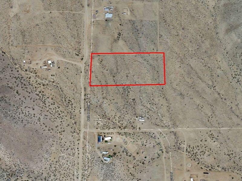 5.33 Acres Near Kingman : Kingman : Mohave County : Arizona