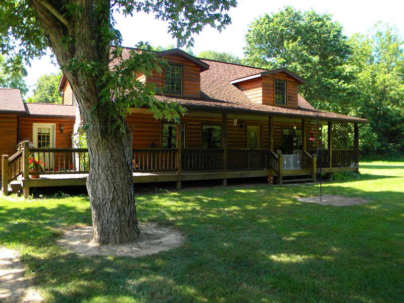 328 Acres, Custom Cedar Log Home : Pearl : Calhoun County : Illinois