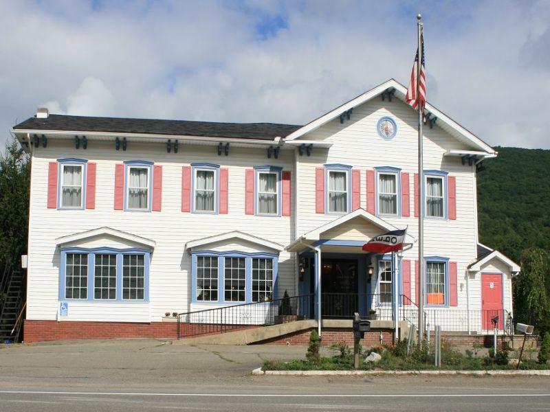 Pa Absolute Auction - Historic Inn : Wellsboro : Tioga County : Pennsylvania