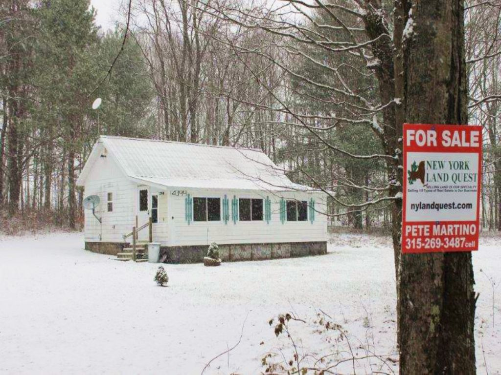 Cabin Direct Access To Trails : Annsville : Oneida County : New York