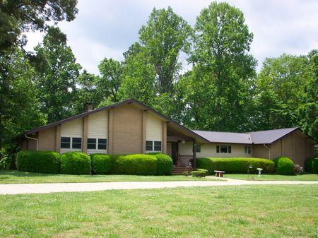 Contemporary Home On 89.35 Acres : Newnan : Coweta County : Georgia